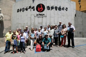 1st-ngo-conference_Family-picture-at-Sant-Pere-Square-at-Berga-(À.-A.-E)