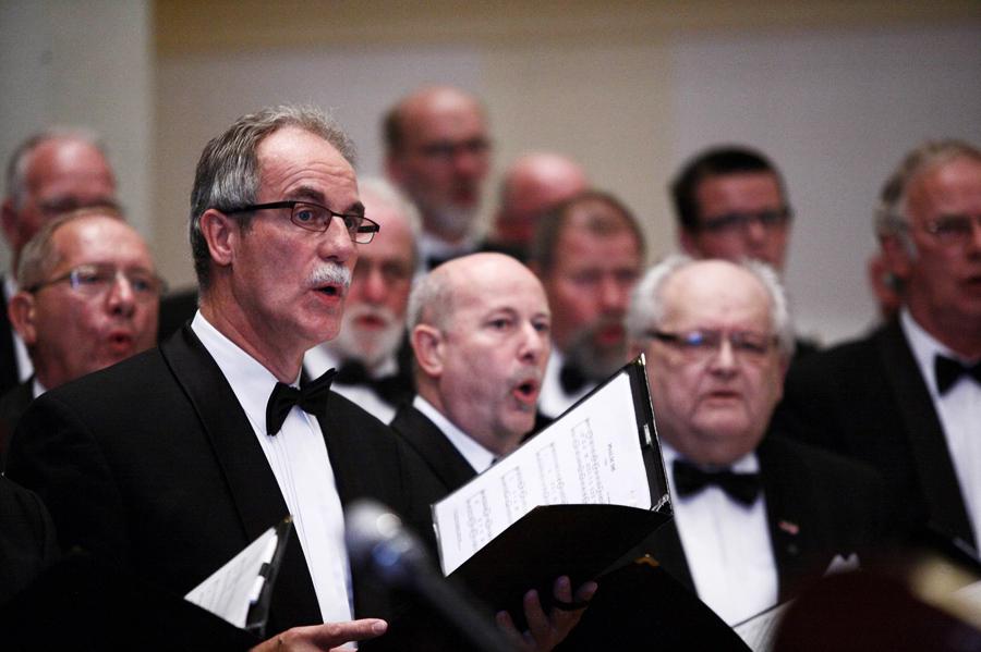 Psalm singing in Genemuiden