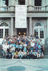 Group picture ICTM World Conference 2001 Rio